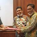 Pjs. Bupati Kep. Selayar Serahkan Dokumen Usulan Pembentukan KEK Pariwisata Ke Dewan Nasional KEK