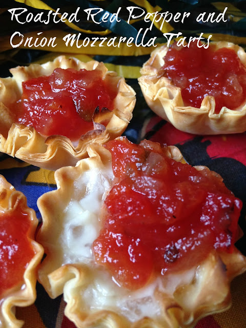 ... Roasted Red Pepper and Onion Mozzarella Tarts {Super Saturday Snack
