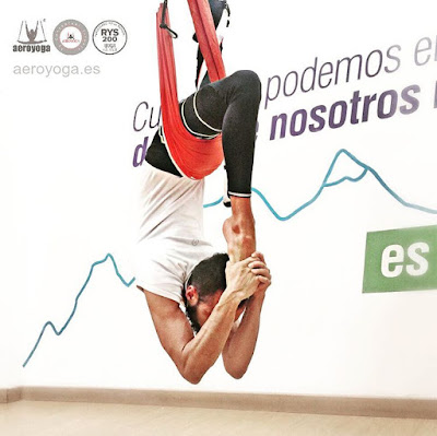yoga aereo, aeroyoga, aerial yoga, yoga, pilates, fitness, deporte, columpio, trapeze, gravity, coaching, anti, age, teacher training, puerto rico