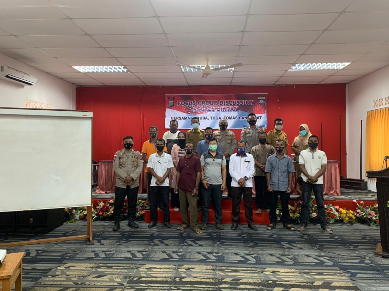 Satbinmas Polres Bintan Laksanakan FGD Bersama Toga, Tomas dan Todat Desa Penaga Untuk Menekan Penyebaran Covid-19