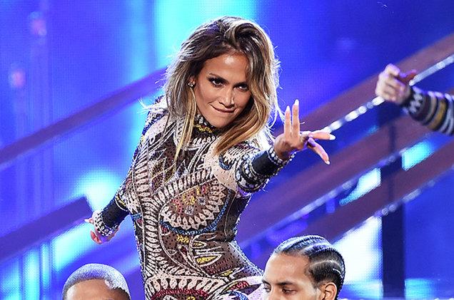 Jennifer Lopez se presentará en los Latin Grammy 2016, reemplazando a Shakira