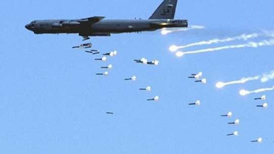 US, B-52 nuclear bombers deployed in action on warning of Iranian attack on military bases