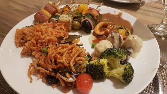 Jom nikmati Spanish Dinner Buffet di Renaissance Johor Bahru Hotel
