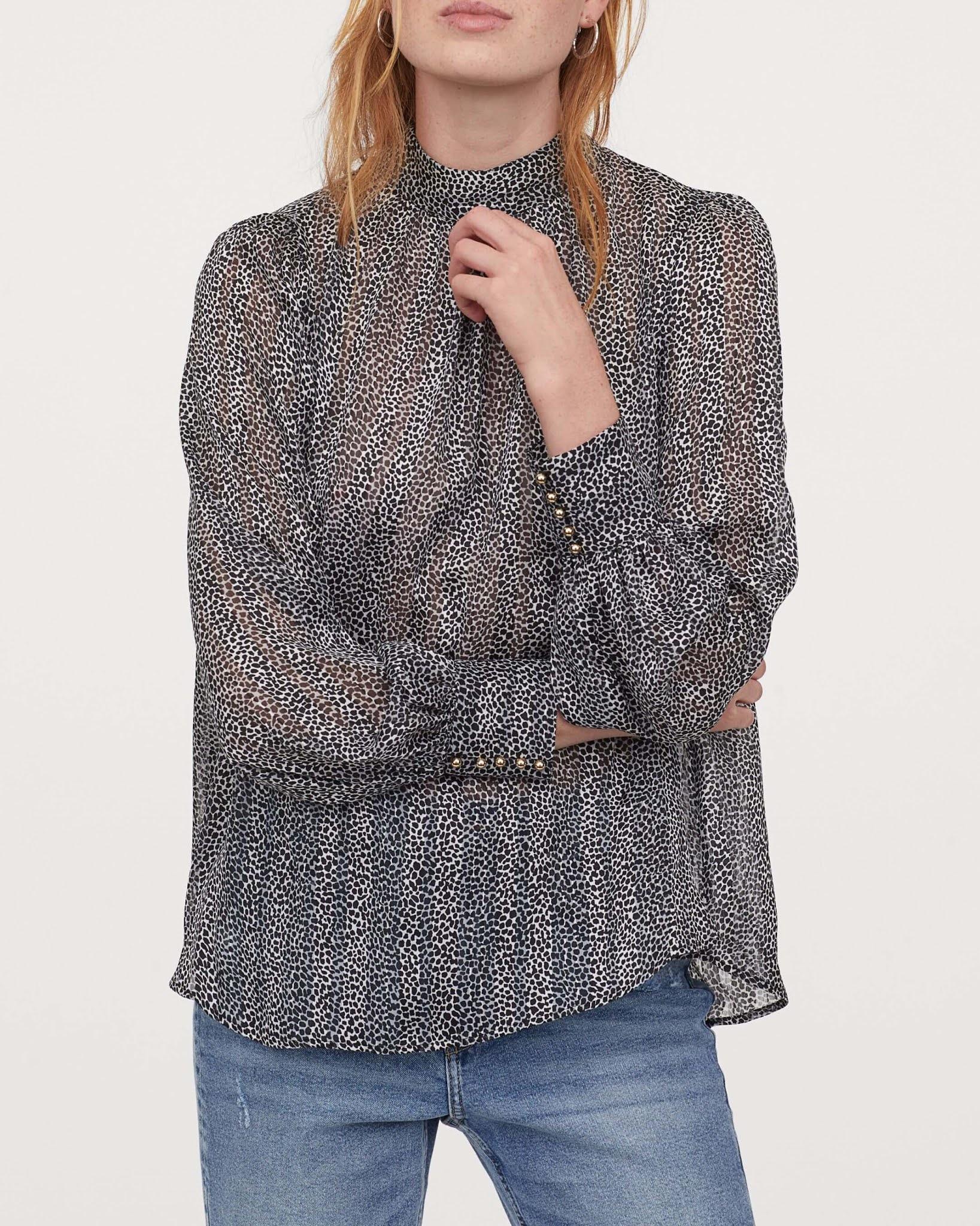 wide-cut blouse