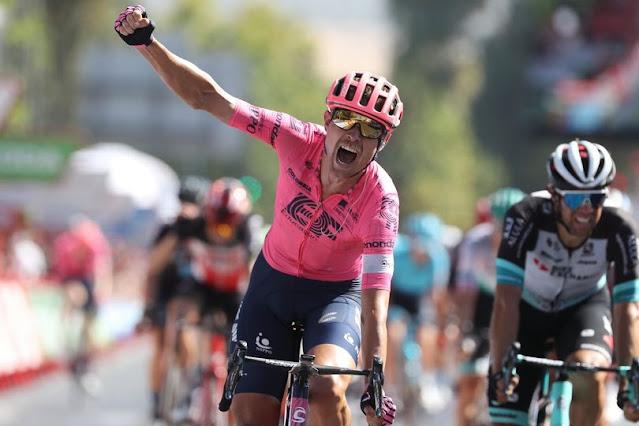 Magnus Cort comemorando a vitória na 12ª etapa da Vuelta a España