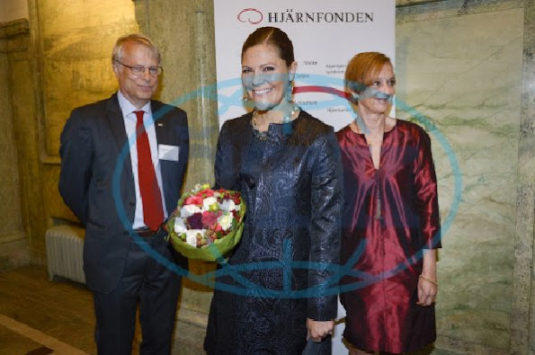 Crown Princess Victoria  together with Lars Olson, chairman of the Swedish Brain Foundation and Professor at Karolinska Institute and Gunilla Steinwall, Secretary General of the Swedish Brain Foundation