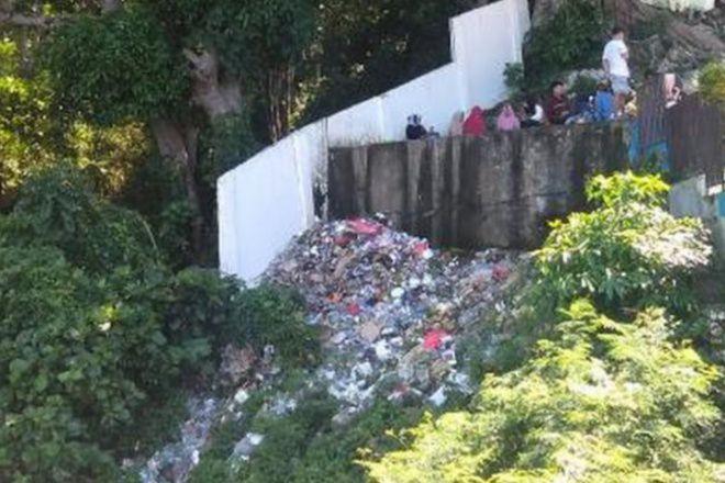 Sampah Plastik Menggunung Di Wisata Tanjung Pallette, Pengunjung Minta Pengelola Tidak Diam
