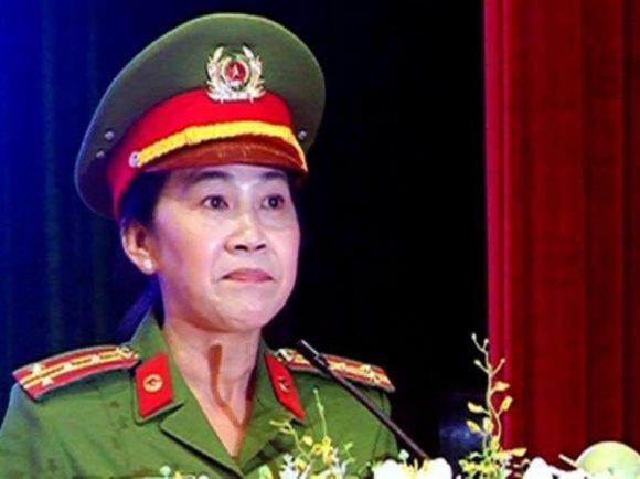 """Phó GĐ CA Đồng Nai nghỉ hưu: Xe """"vua"""" chưa tỏ, """"hạ cánh"""" an toàn?"""