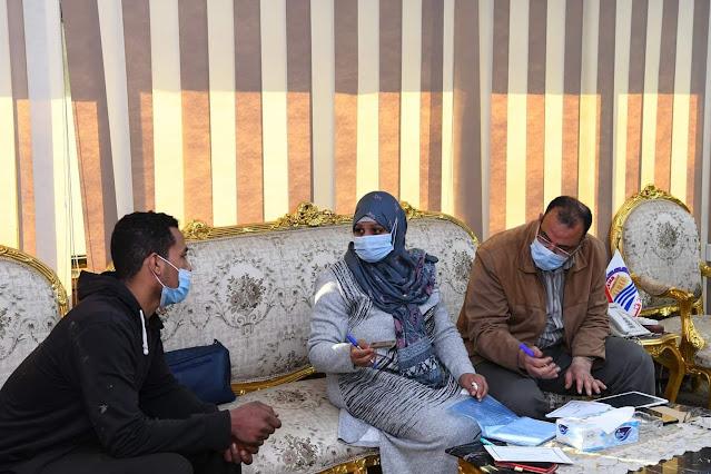 محافظ قنا والسكرتير العام المساعد يواصلان استقباله للمواطنين للاستماع الى شكواهم