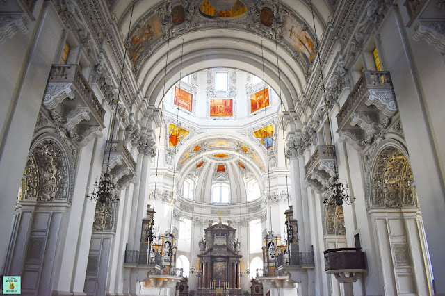 Interior de la Catedral de Salzburg, Austria