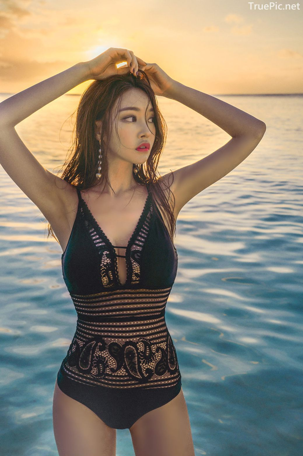 Park Jeong Yoon - Can't Help Falling - Korean swimsuit and model - Picture 6