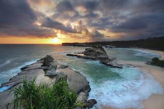 Pantai Klayar - Wisata Eksotik Pacitan yang Mempesona