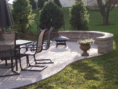 Patio with Seating Wall by Archadeck