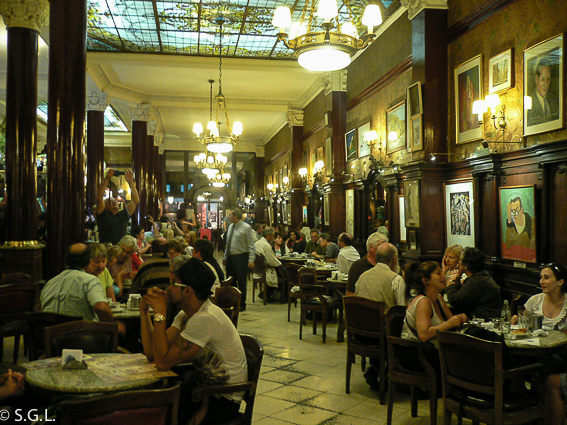 Cafe Tortoni en Buenos Aires