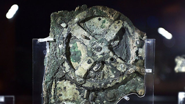 This is an original image of the Antikythera Mechanism.