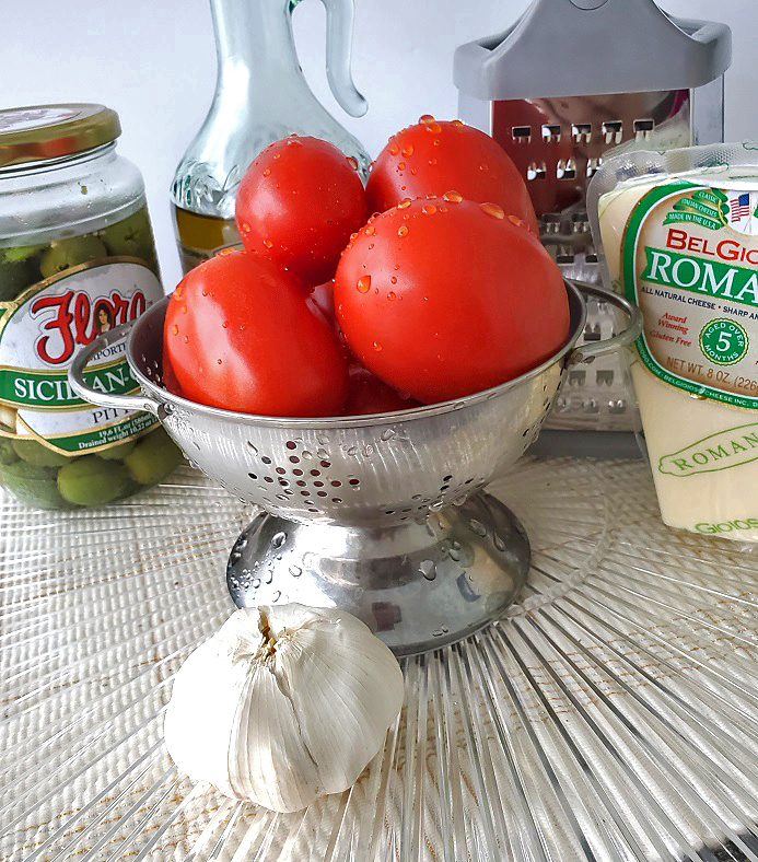 these are the the ingredients to make homemade salsa