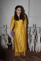 Sonam Kapoor Soha Ali Khan Konkona Sharma at Raw Mango store launch March 2017 028.JPG