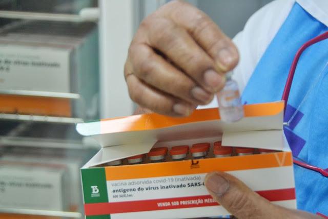 Novo lote: Paraíba recebe 82 mil doses de vacinas contra Covid-19