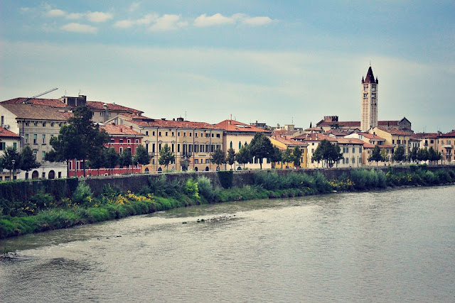 Verona-Adige-architettura-città-storia-arte