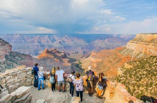 Tirar fotos nas magníficas paisagens no Grand Canyon