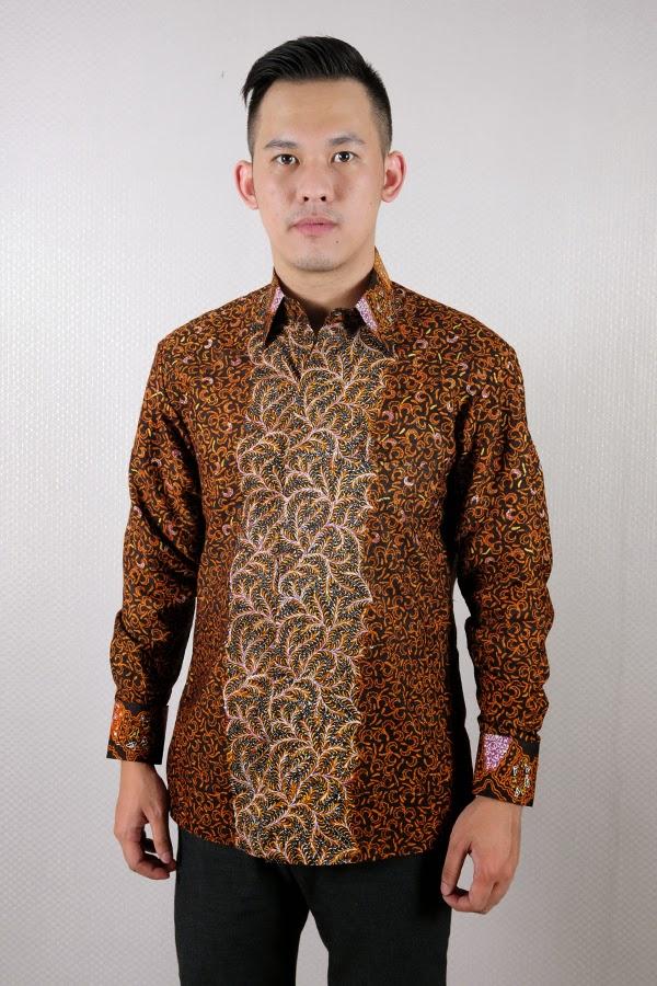 Model baju batik pria lengan panjang modern terbaru