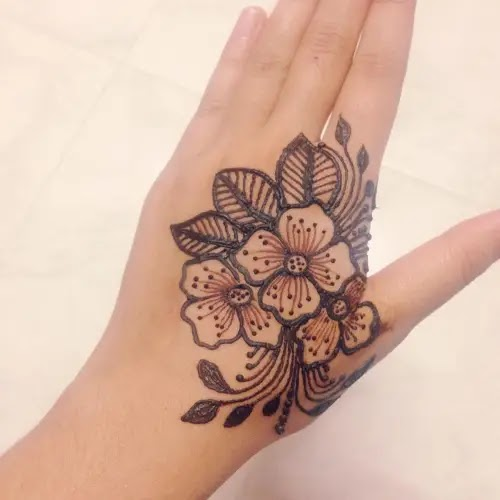 Flower-with-net-leaves-henna-pattern