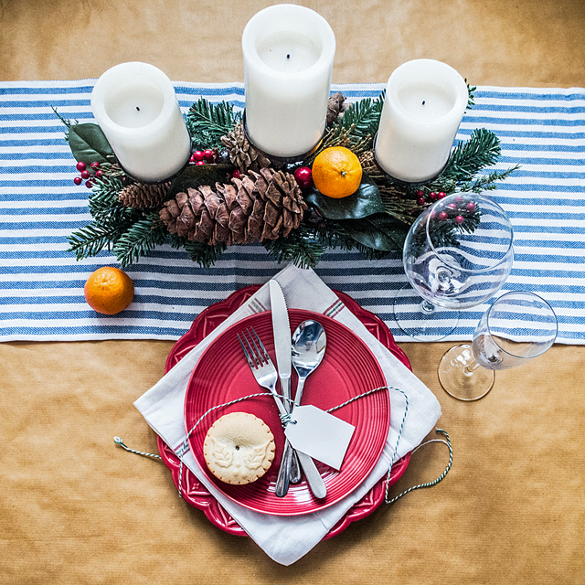 FFG Living: A Tale Of Two Christmas Place Settings