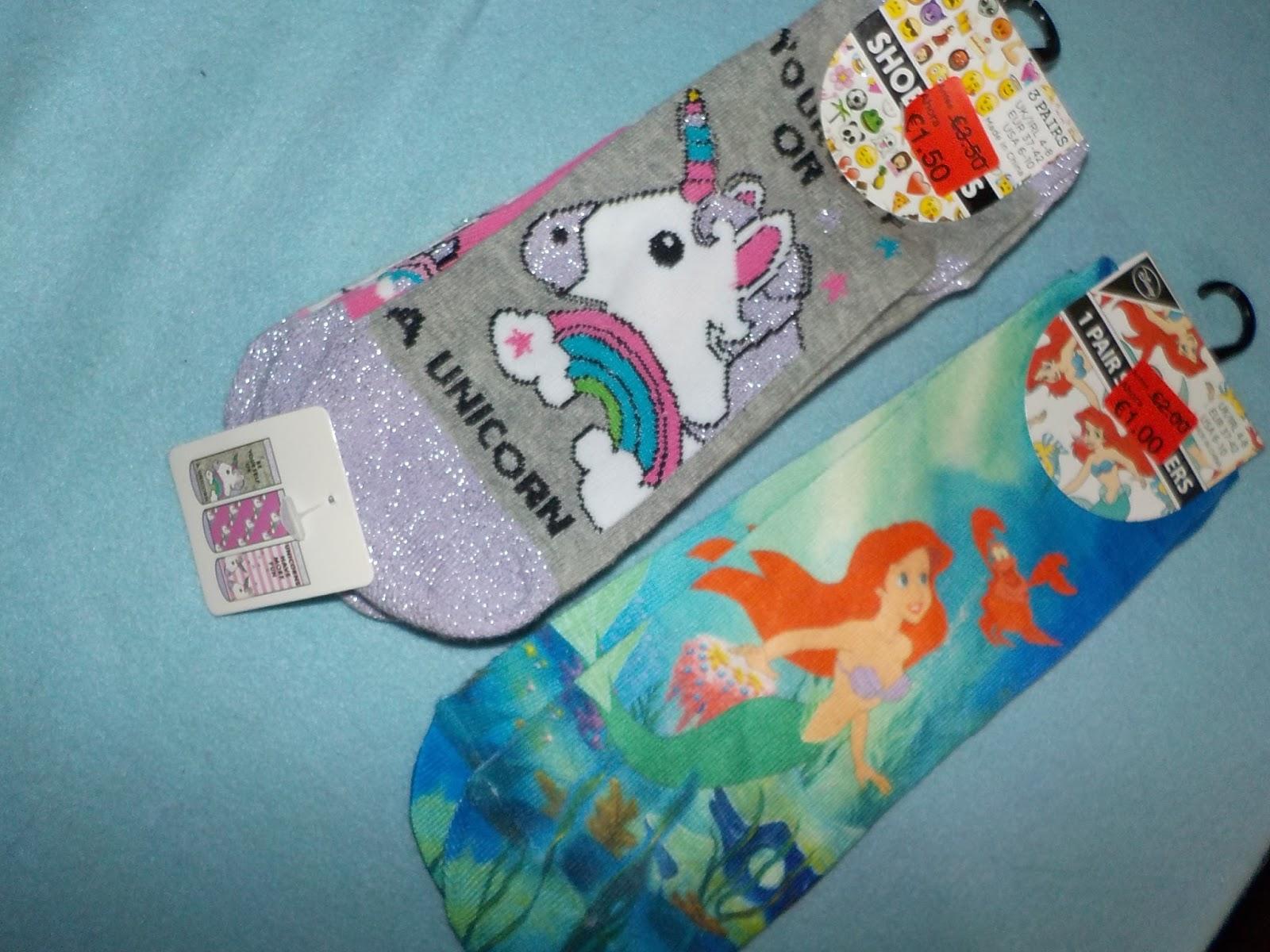 f54efedf04 Y más calcetines  packs de 3 de Tokidoki y Supernenas. El estuche es  precioso!
