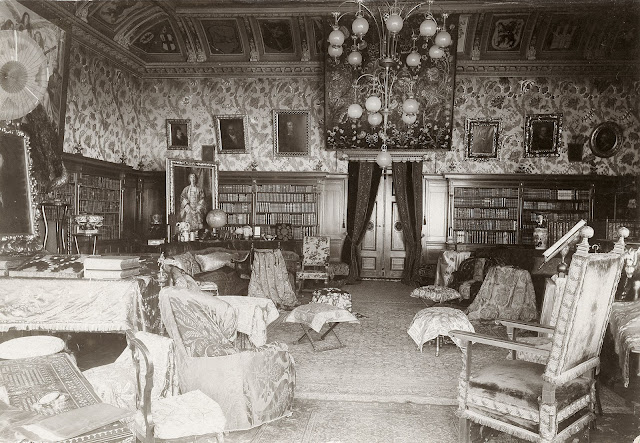 Wahnfried: the large saloon in 1900 (Photo Richard Wagner Museum, Bayreuth)