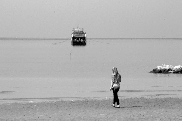 [FOTO] Bermain Di Pantai Kartini Rembang
