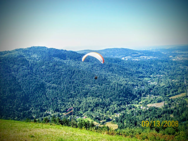 Seattle paragliding from Poo Poo trail