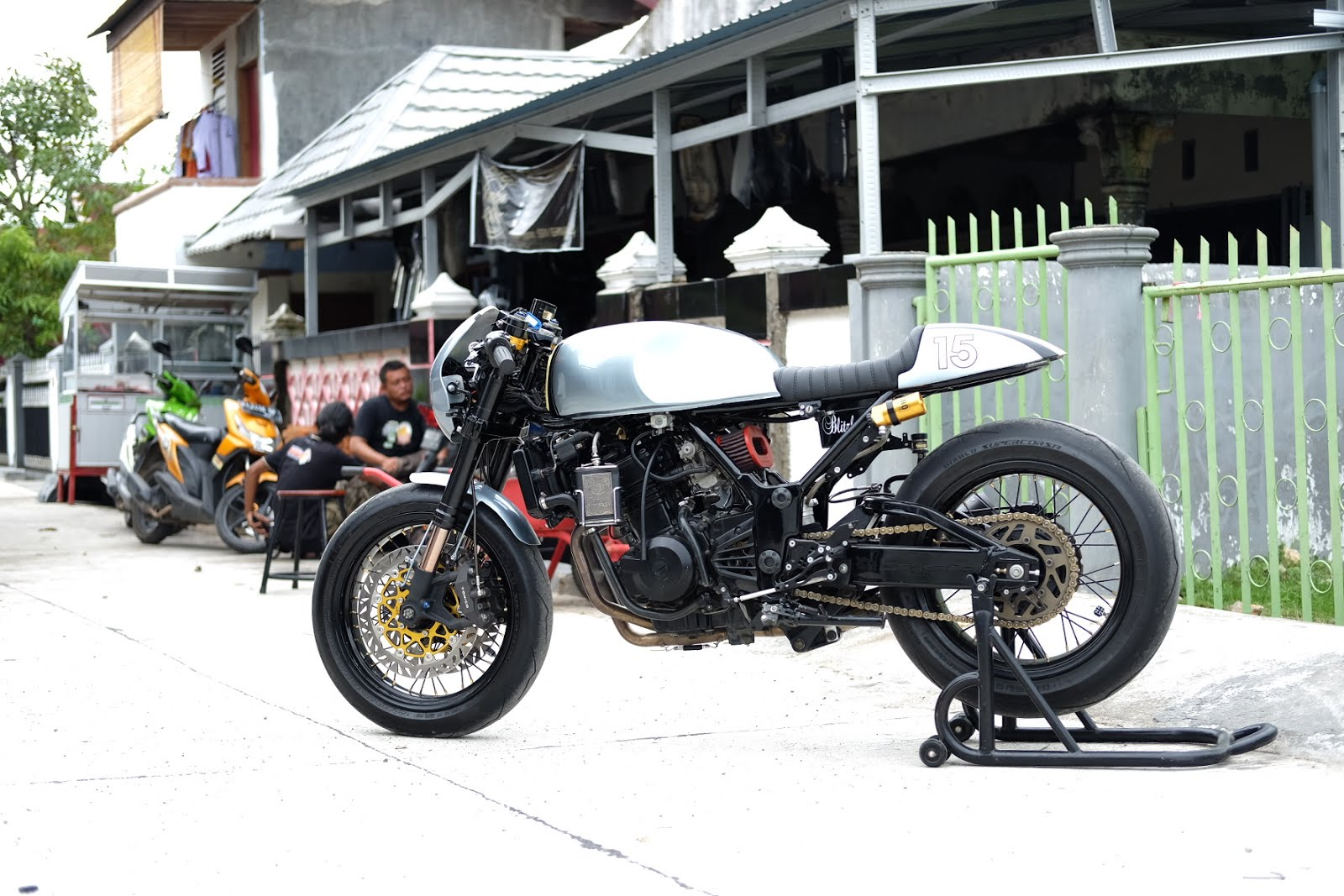 Kawasaki Ninja 250cc Cafe Racer 5