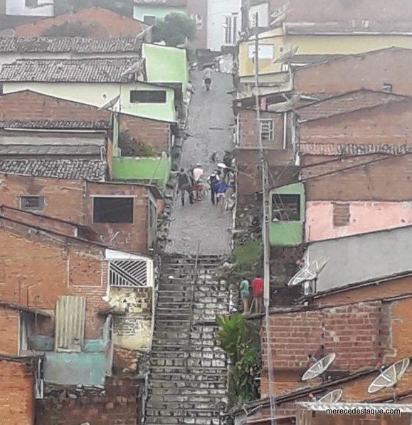 Polícia apreende adolescente com drogas e celular roubado em Taquaritinga do Norte