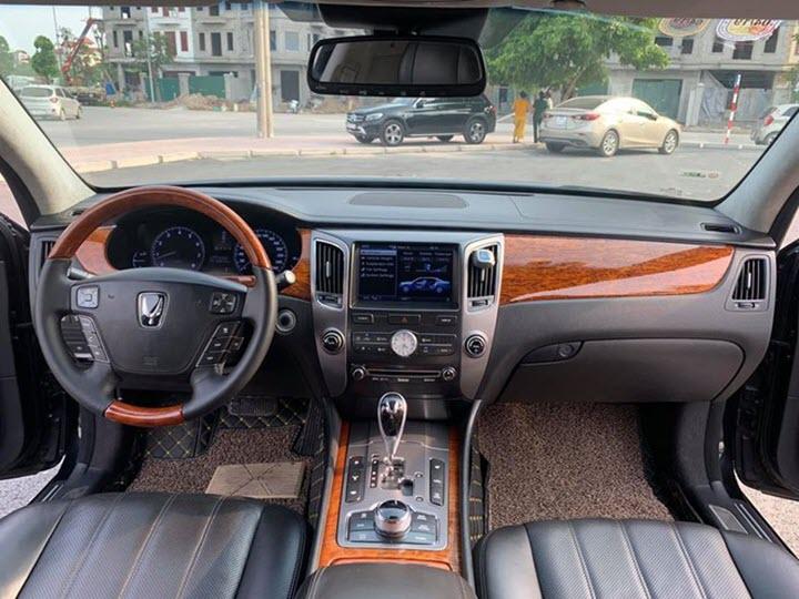 Xe hiếm Hyundai Equus Limousine mất giá 70% sau 9 năm sử dụng