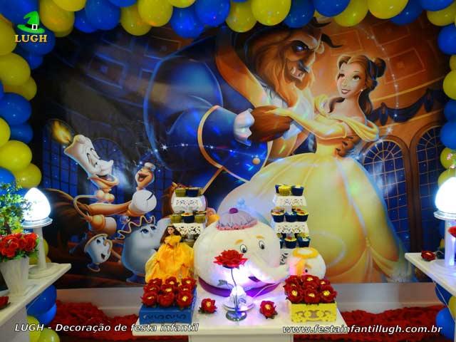 Decoração de mesa de aniversário A Bela e a Fera - Festa infantil