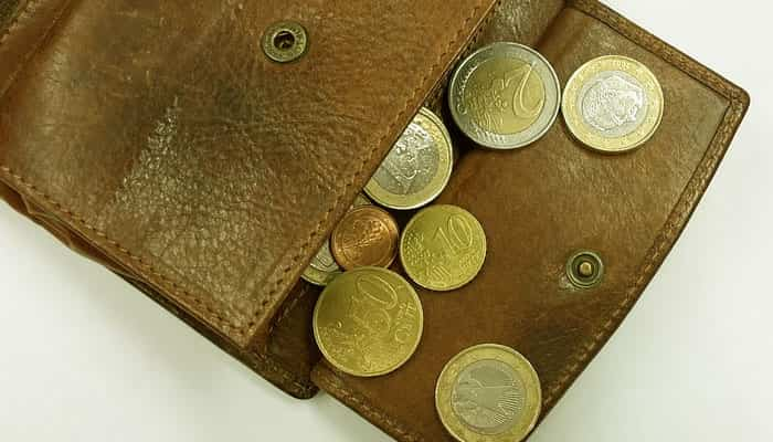 Uang Receh Di Dompet