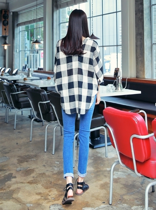 Large Gingham Check V-Neck Shirt