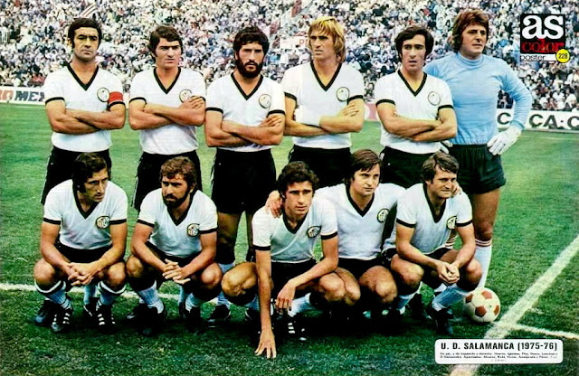 U. D. SALAMANCA. Temporada 1975-76. Huerta, Iglesias, Pita, Rezza, Lanchas y D'Alessandro; Álvarez, Robi, Víctor, Ameijenda y Pérez. CLUB ATLÉTICO DE MADRID 4 U. D. SALAMANCA 1. 28/09/1975. Campeonato de Liga de 1ª División, jornada 4. Madrid, estadio Vicente Calderón: 65.000 espectadores. GOLES: 1-0: 38', Rubén Ayala. 2-0: 43', Leivinha. 3-0: 57', Leivinha. 4-0: 67', Leivinha. 4-1: 70', Víctor Soler.