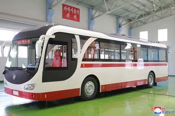 (2) New-type Trolley Bus, Pyongyang