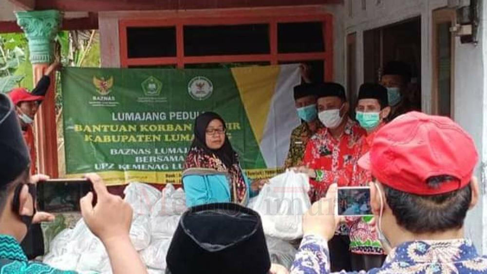 Baznas Lumajang Salurkan Bantuan untuk Korban Banjir