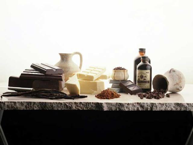 Приготовить шоколадные украшения