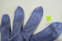 außen Finger: WHITE LOTUS Sexy SEIDEN-HANDSCHUHE Kleidung für Frauen | Elegante Rohseide zur Isolierung der Hände und Entzündungs-Schutz ohne sie zu zeigen | Präsentiert in luxuriöser Geschenk-Box - Grau