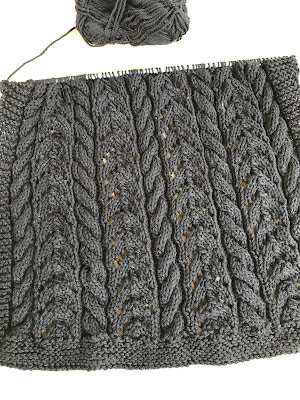 knitting, cables, twists, black yarn, pattern