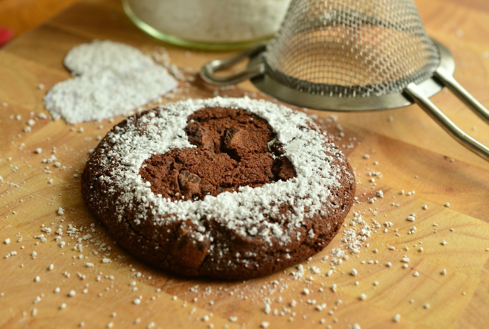 Pastries Bake Sweet Brownie Icing Sugar Baked in heart shaped image
