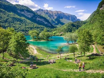 Lago di Tenno - Trento - Laghi piu' belli Italia - Gite e vacanze in Trentino