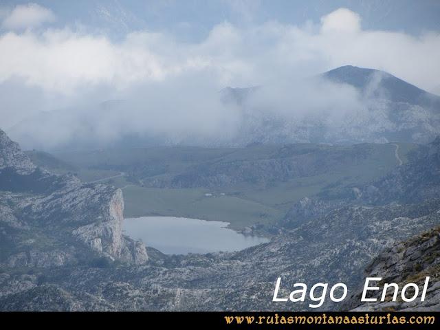 Ruta Pan de Carmen, Torre de Enmedio: Lago Enol