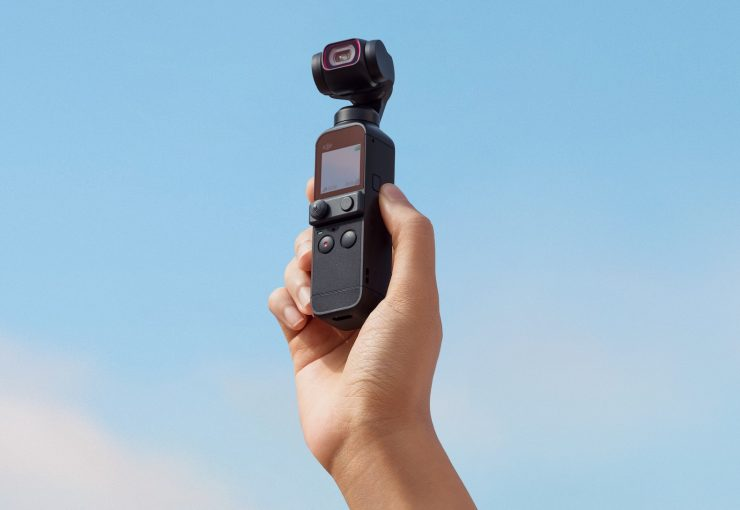 DJI Osmo Pocket 2 в руке