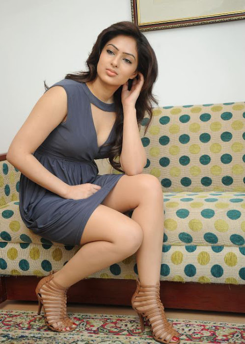 sweet and fair Nikisha patel latest spicy new hot stills photos