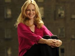 Laura Linney, Narrator of Nancy Drew, photo image. narratorreviews.org