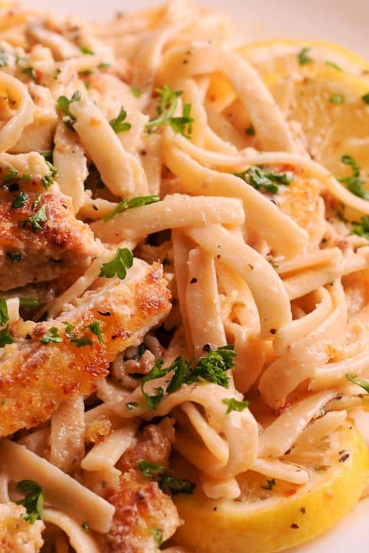 FAMOUS CREAMY LEMON GARLIC CHICKEN PASTA